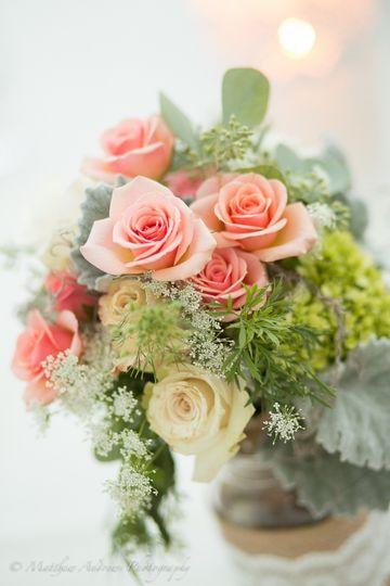 h j benken florist garden center flowers cincinnati oh weddingwire. Black Bedroom Furniture Sets. Home Design Ideas