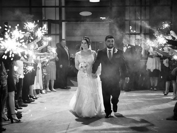 Tmx 43345351 2088104137868676 7607543806103126016 O 51 1037363 Austin, TX wedding photography