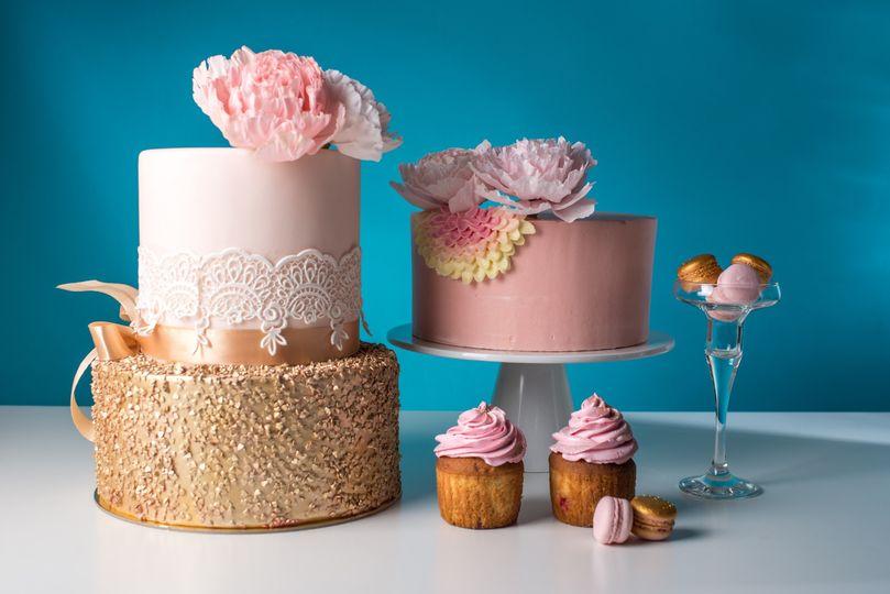 Gold & Blush wedding cakes