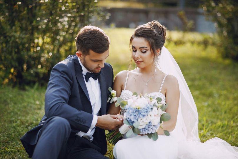 wedding couple jyl2q7v 51 2022463 161662648532469