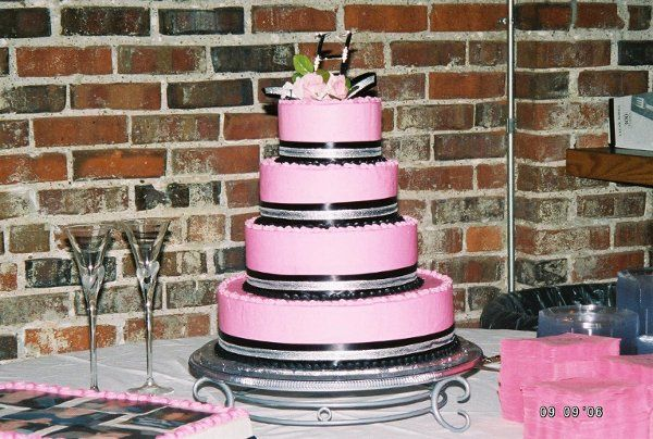 Pink and Black wedding cake at the Parrot Bey Ballroom in Pittsburg, KS.
