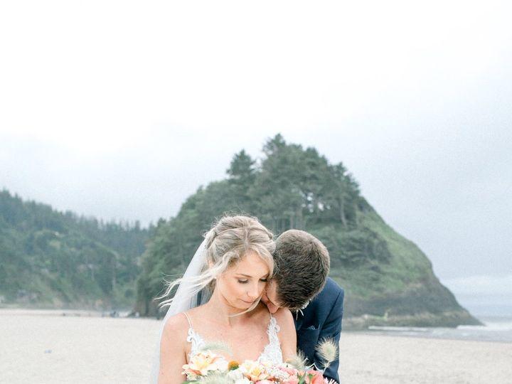 Tmx  Mg 6056 51 1005463 160062960330270 Oregon City, OR wedding florist