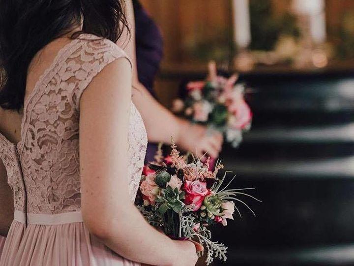 Tmx 1526503112 02995403b8bd8b36 1526503110 98bdfb1a22606a1e 1526503110799 3 23619100 191895068 Oregon City, OR wedding florist