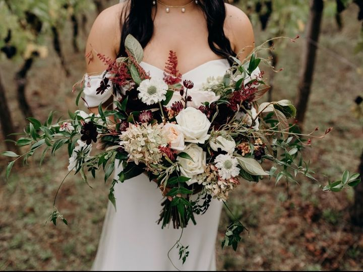 Tmx Img 0329 51 1005463 1573109796 Oregon City, OR wedding florist