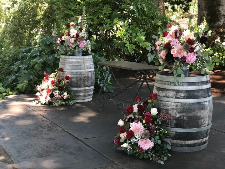 Tmx Jqispa5ys0sgabasdwtyg 51 1005463 1565031354 Oregon City, OR wedding florist