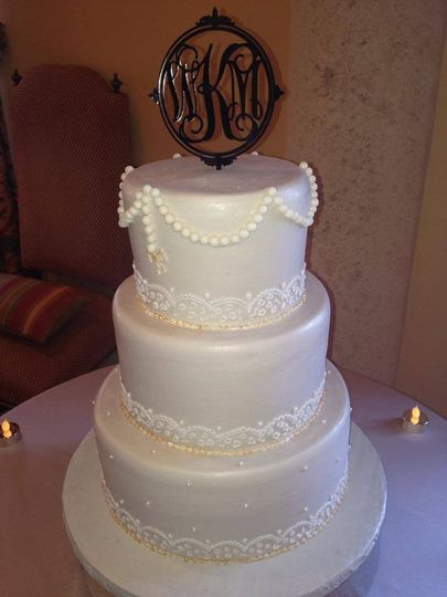 "Wedding cake with a ""K"""
