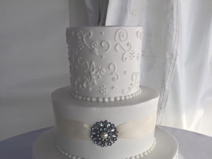 Tmx 1467852521896 1279901911755779124601657427293764059428928n Largo, Florida wedding cake
