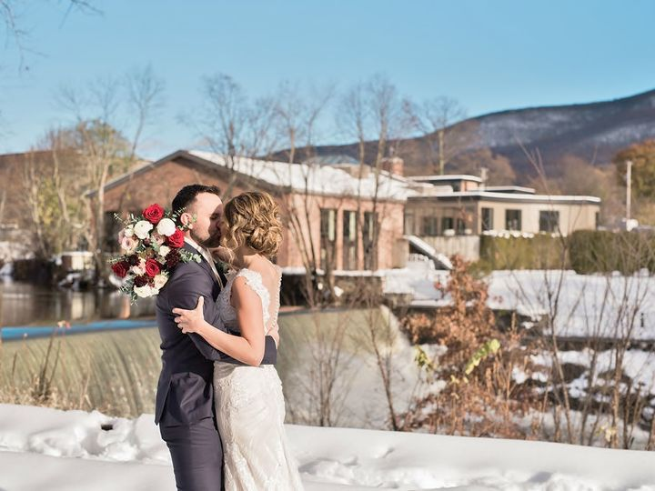 Tmx Erinlanephoto4204 51 516463 V1 Beacon, NY wedding florist