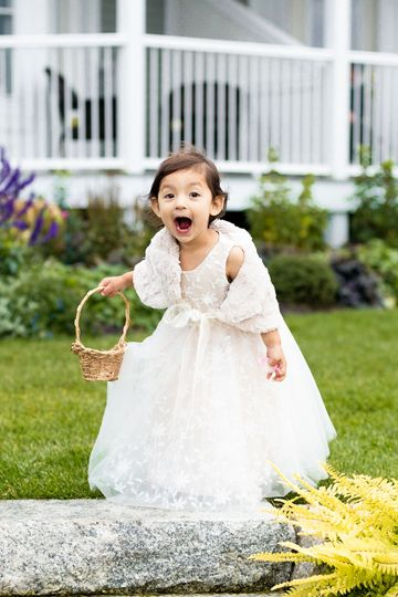 A very surprised flower girl!