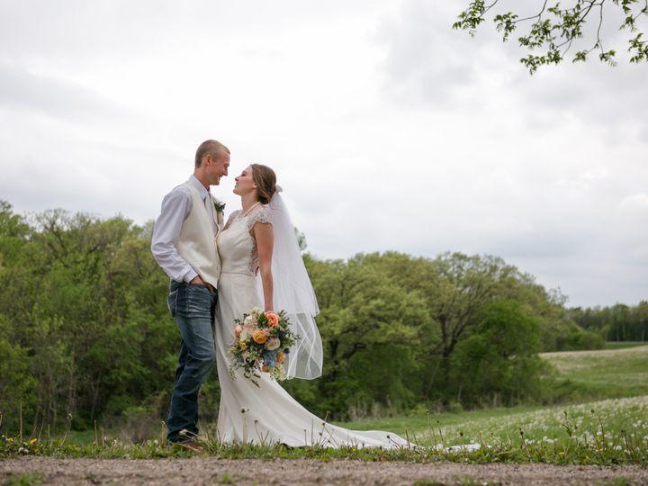 Tmx Preview 561 51 1900563 159171808817415 Mapleton, MN wedding florist