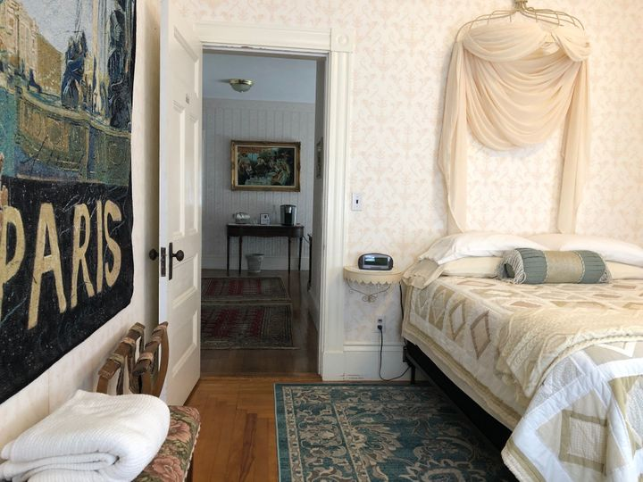 Isobel Room