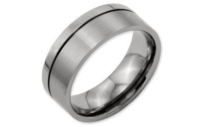 Chisel Titanium 8mm Offset Grooved Line Band 8mm with a blackened offset grooved lineThis ring has a...