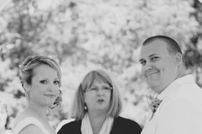 Angel of love, Officiant Linda Moore