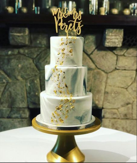Marbled fondant with 24k gold