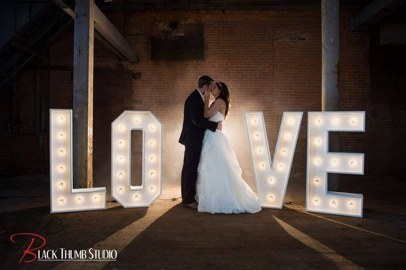 800x800 1477949060613 love sign official bride groom