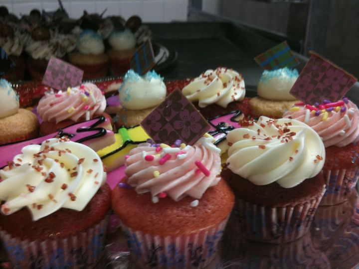 Tmx 1367993035169 Fashion Cupcakes Anchorage wedding