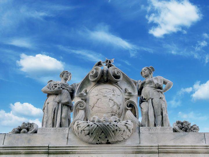 Tmx Statesavingsbank Statues On Roof 51 1316663 158931702166827 Detroit, MI wedding venue