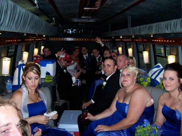 Couple with the bridesmaids and groomsmen