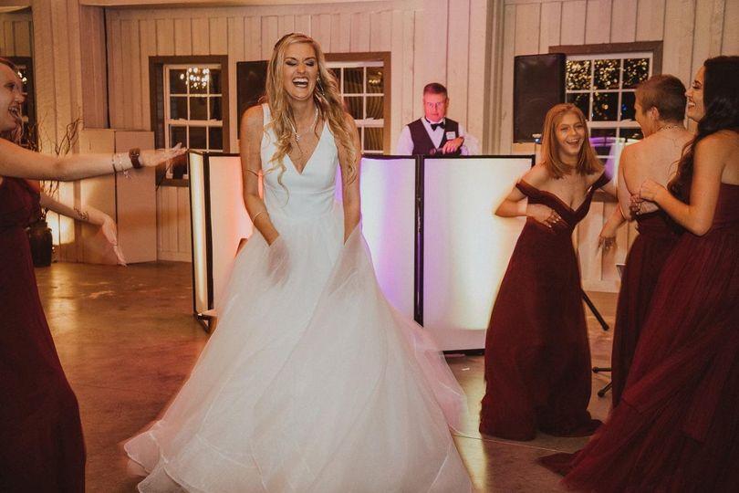 The brinde hits the dancefloor