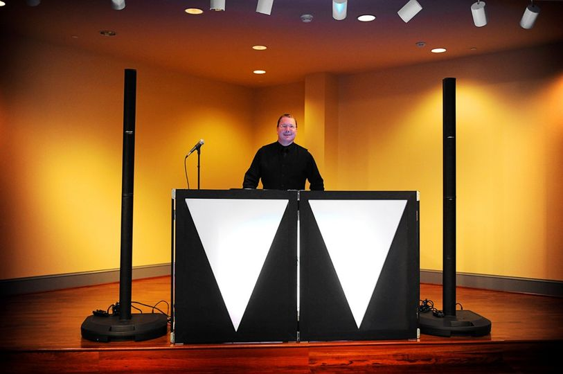 DJ set-up designed specifically for Weddings and Receptions. Dual Bose L1 Towers Speaker System with...