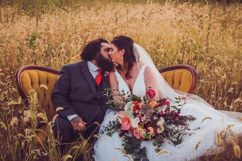 Vintage couch wedding