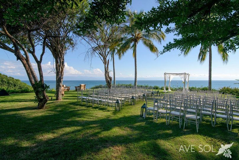 55c17a2f5afd818a Wedding wire chic location shot