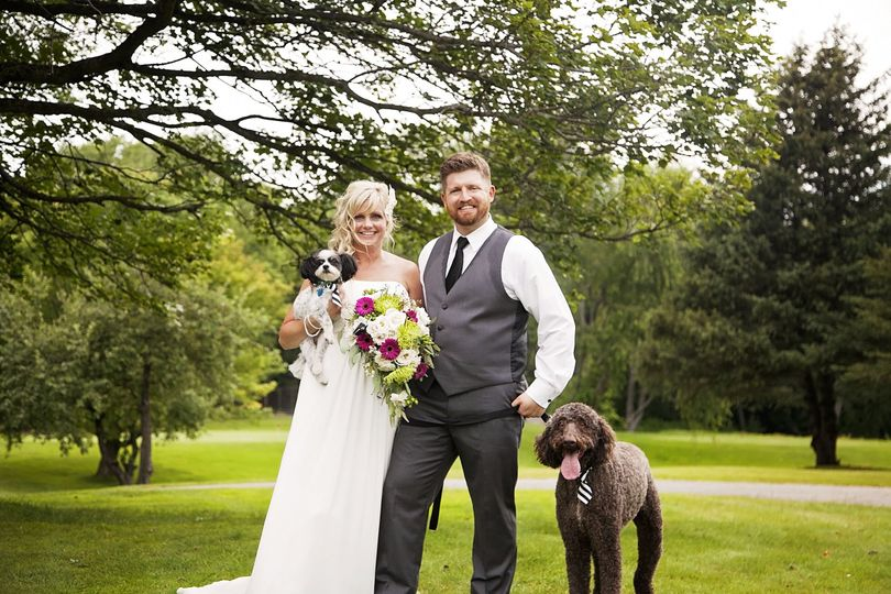 mike and kristin with dogs