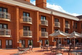 Holiday Inn and Suites Alexandria Old Town