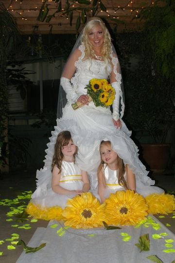 Bride and her junior bridesmaids