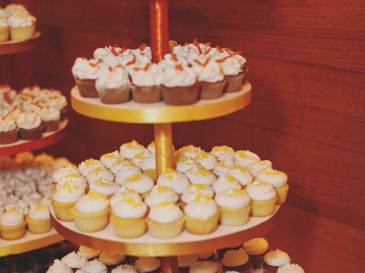 Tmx Cake Tray With Cupcakes 51 2032863 162281728677775 Minneapolis, MN wedding cake