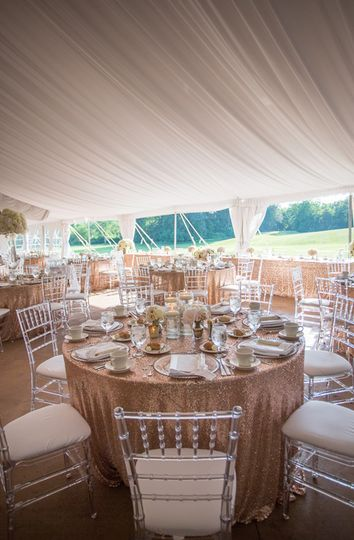 Clear Chiavari with Champagne