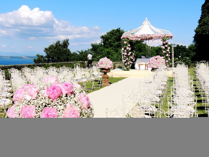 Beautiful ceremony setting