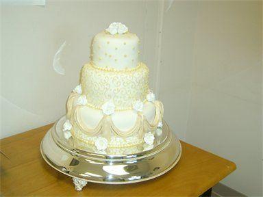 Tmx 1310484224635 384288csupload25276955 Natchez wedding cake