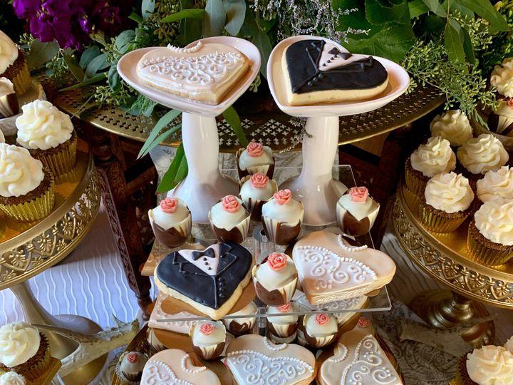 Tmx Barns Display 51 1047863 157411889183481 Smithfield, VA wedding cake