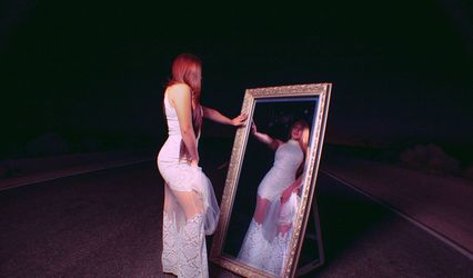 The Looking Glass Mirror Photo Booth