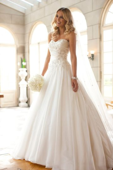 The inspired bride dress attire williamsburg va for Wedding dresses in hampton roads