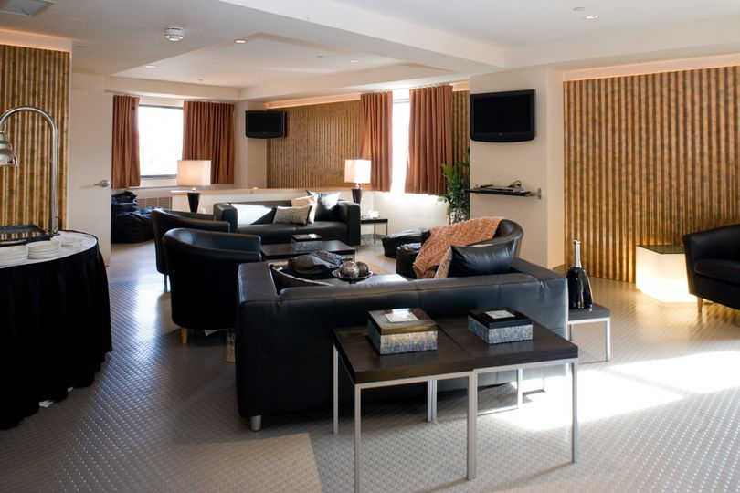 hospitality suite 1824