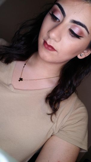 Make-up for maid of honor