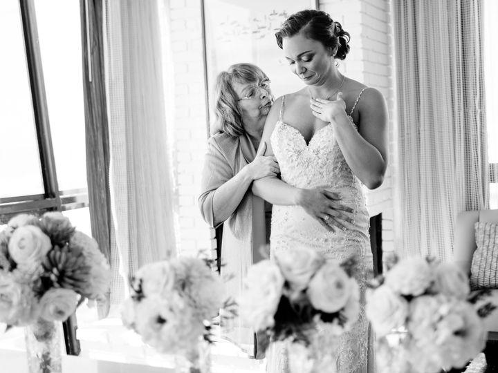 Tmx 1521882787 A996b36430c5343b 1521882784 8357d4dfd2f0721b 1521882769640 29 Special Moment Br Sarasota, FL wedding photography