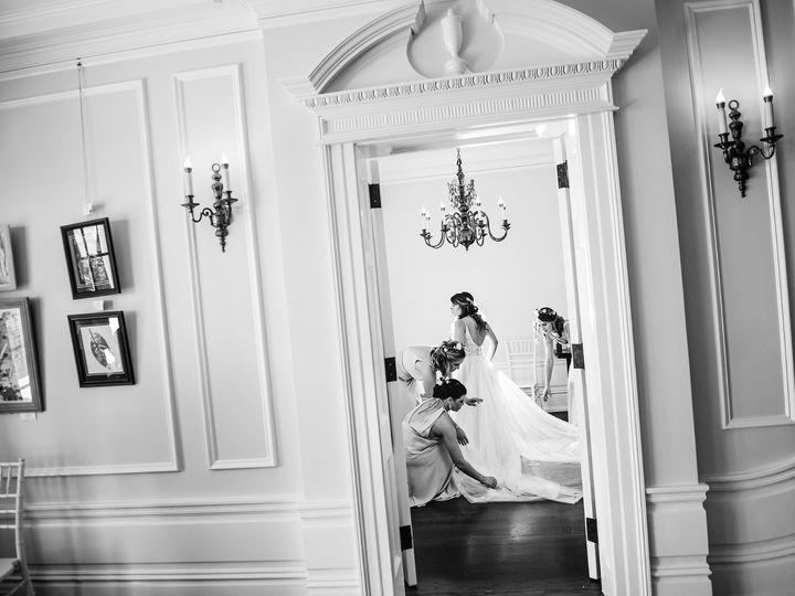 Tmx Bride Getting Ready Doorway 51 403963 1555431434 Sarasota, FL wedding photography