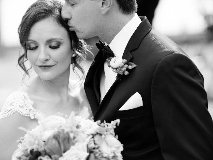 Tmx Couple Embrace Palmetto Garden 51 403963 1555431444 Sarasota, FL wedding photography