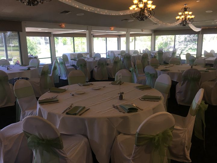 Green chair bows and napkins