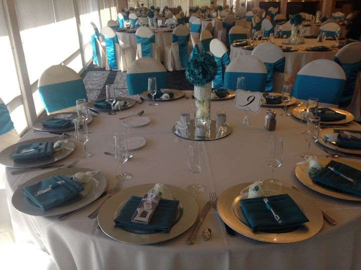 Table setting and blue decor