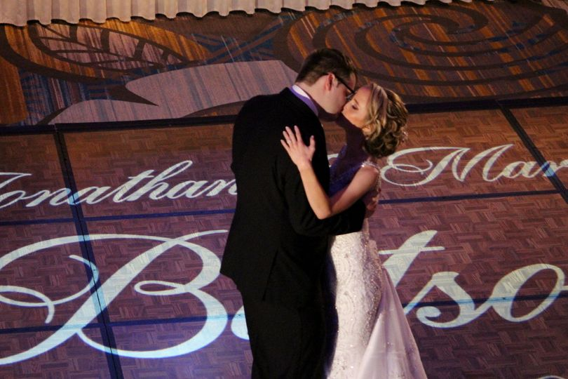 Bride & Groom's Kiss!