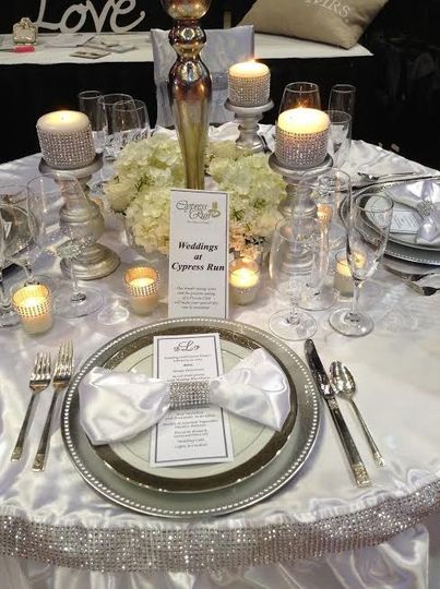 Elegant table setup with candles