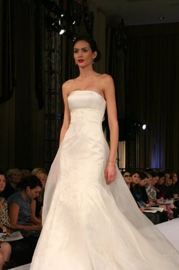 Donna gown