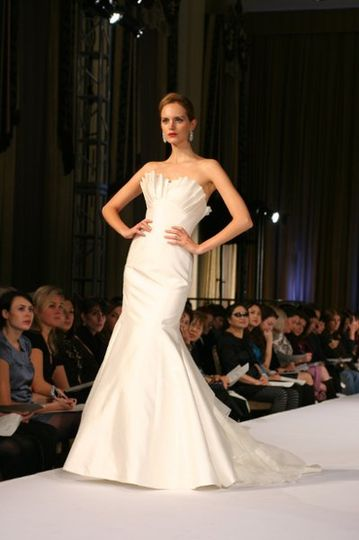 Michelle Gown: Cotton/silk gown with layered organza train