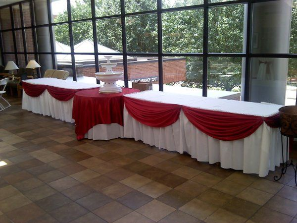 tables, linens, overlays