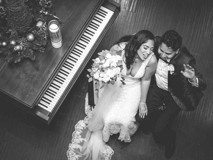 Tmx Couple Top View 51 1872073 160936544016124 Astoria, NY wedding photography