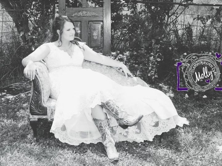 Tmx Allyssa In Chair 51 750173 1566255827 Ozawkie, KS wedding venue